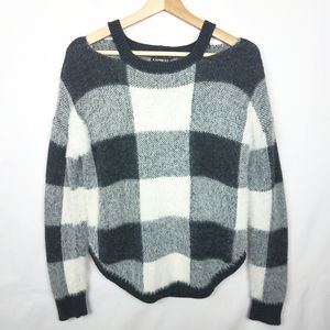 Express》 NWOT Fuzzy Cut-Out Sweater